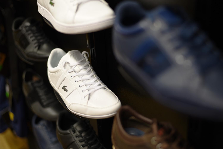 buty zeskóry mają charakterystyczny zapach