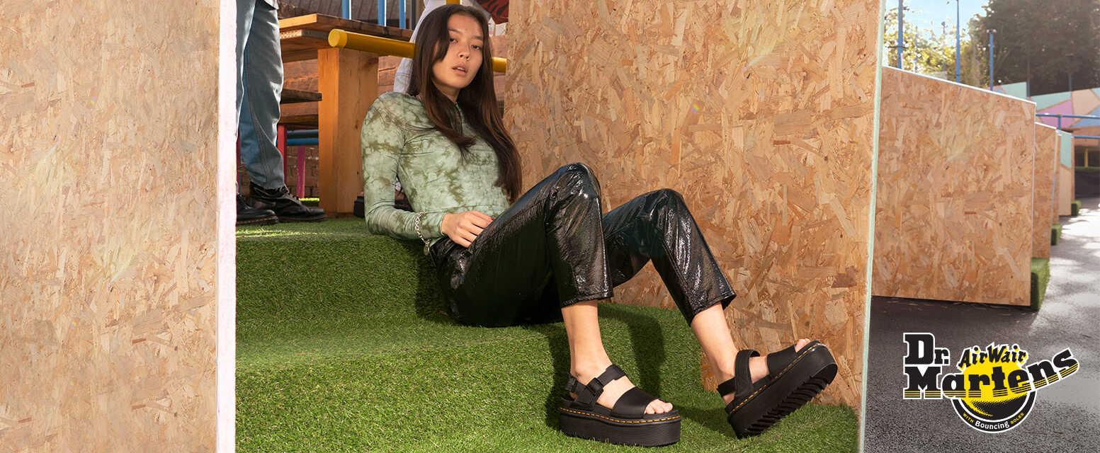 dr. martens schwarze sandalen fur Frauen