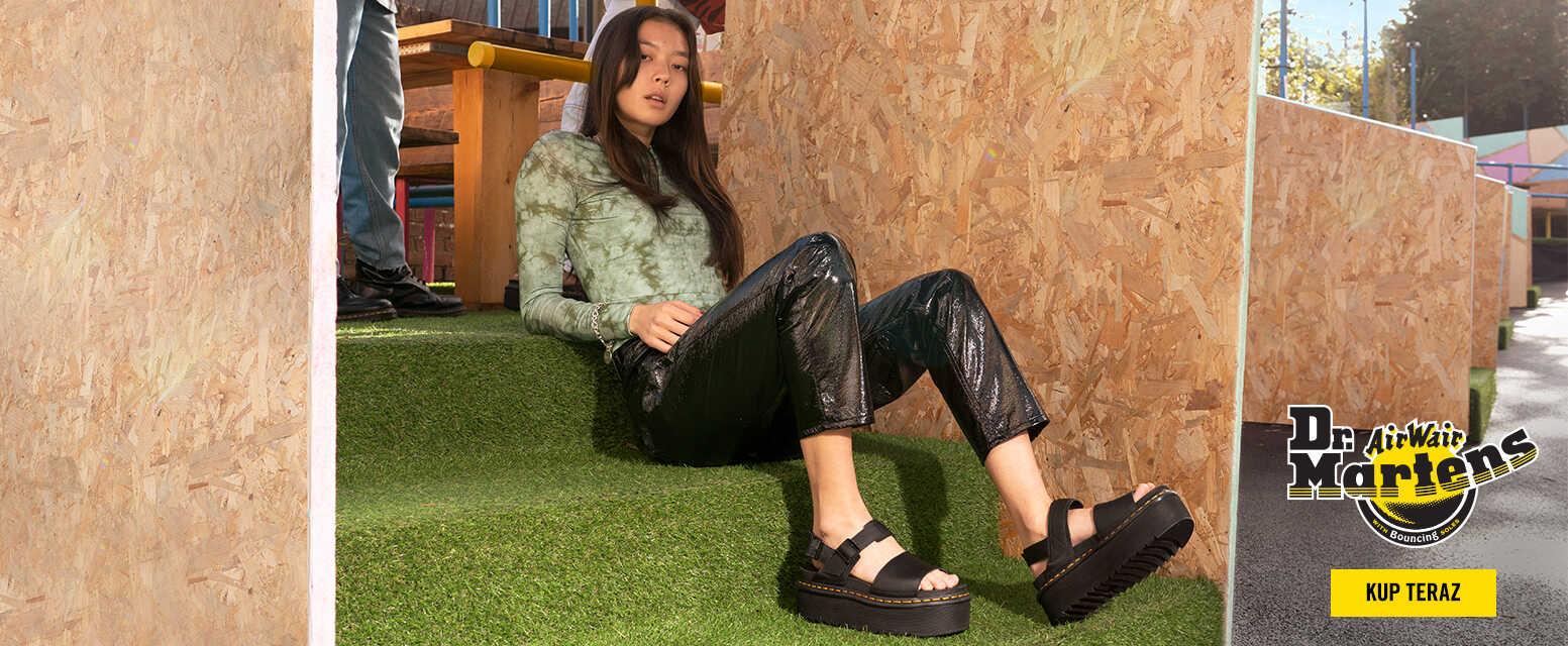 czarne sandały damskie dr martens